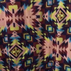 LuLaRoe Tops - LulaRoe Perfect T, XL.